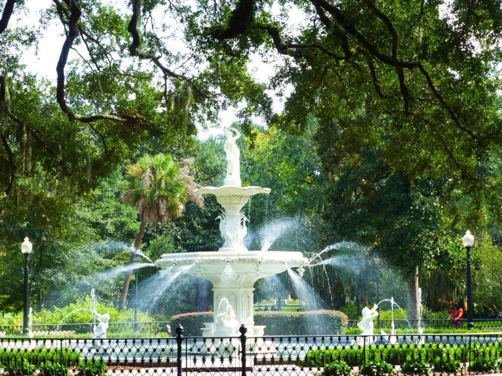 fontána v parku v savannah