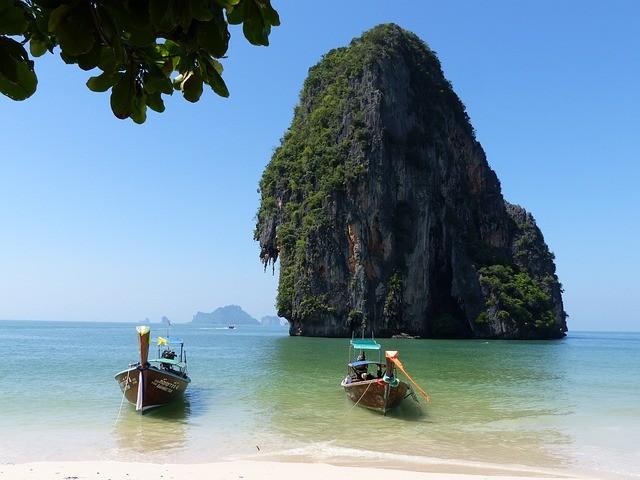 lode na ostrove krabi thajsko