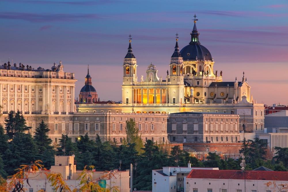 Palacio Real & Catedral de la Almudena madrid