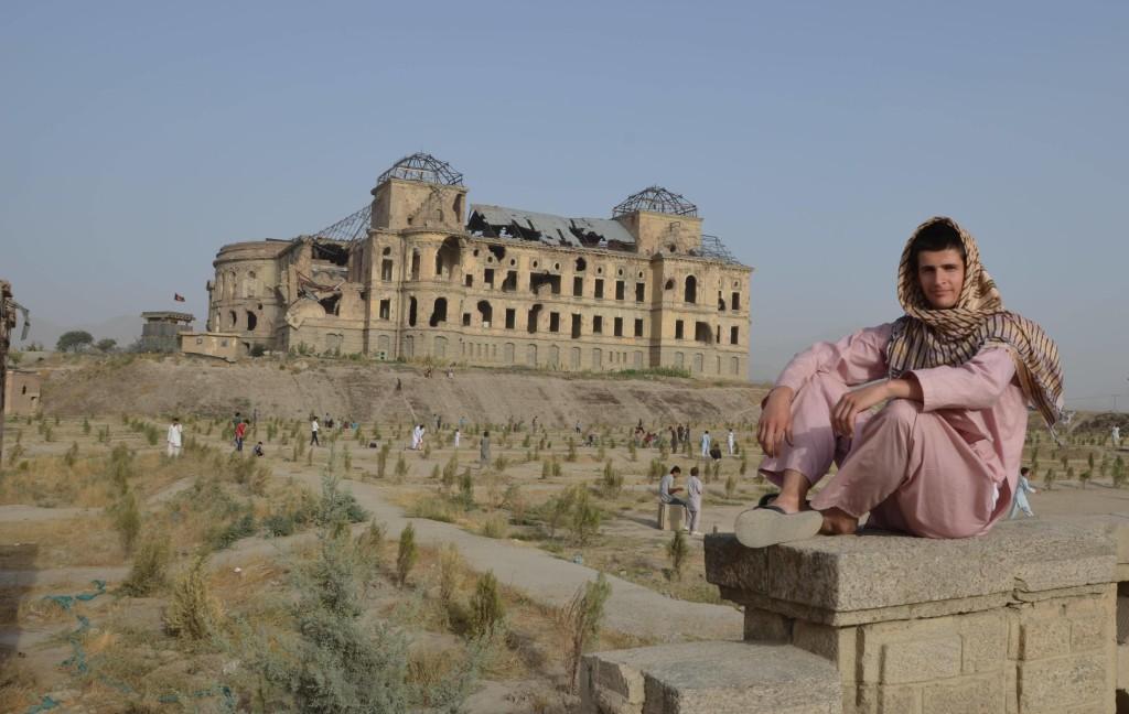 Rozstrieľaná budova v Afganistane