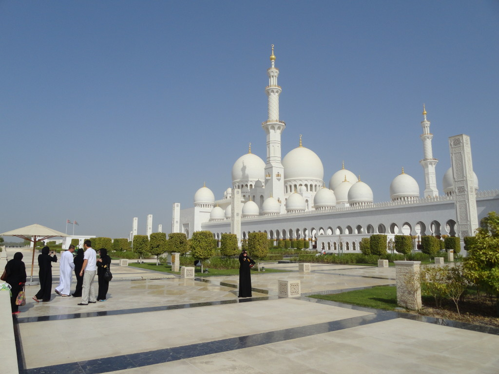 Sheikh Zayed Grand Mosque - letenkyzababku