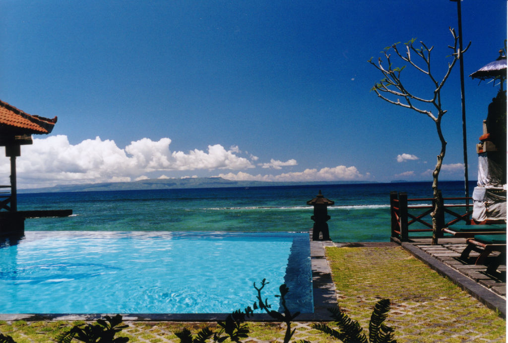 Bazén s výhľadom, Bali - By: Mats Hagwall - CC BY 2.0