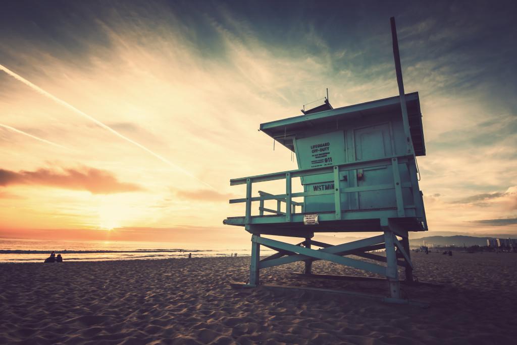 Západ slnka na Venice Beach v Los Angeles