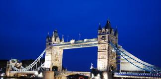 Tower Bridge v Londýne