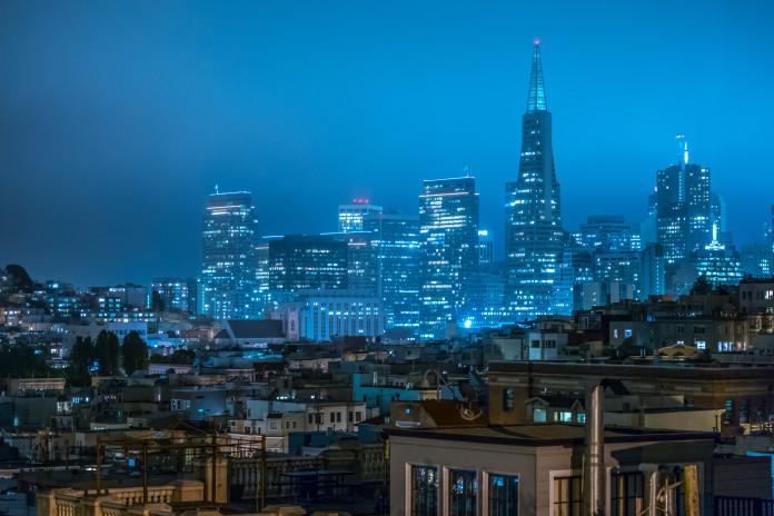 San Francisco mesto v noci