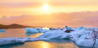 Island a západ slnka