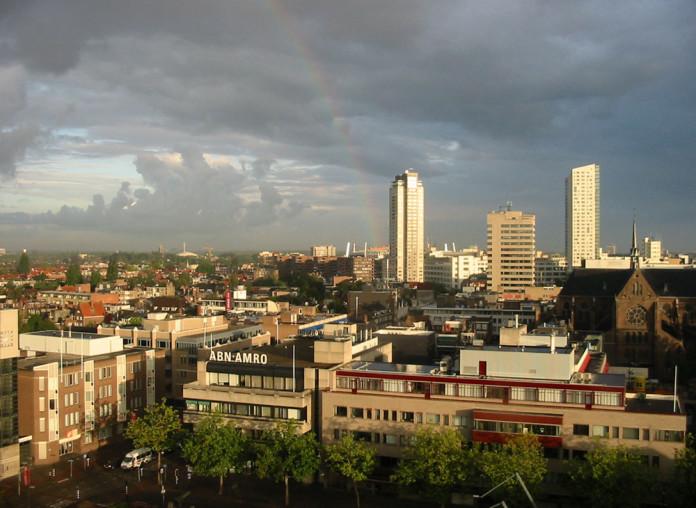 Eindhoven v Holandsku a dúha nad mestom