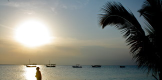Zanzibar a jeho pláž na večer
