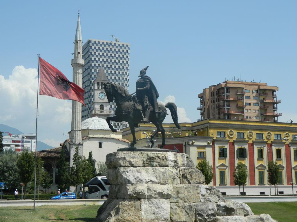 tirana v albánsku