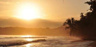 pláž v Kostarike