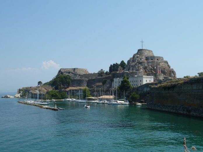 pobrežie Korfu +prístav
