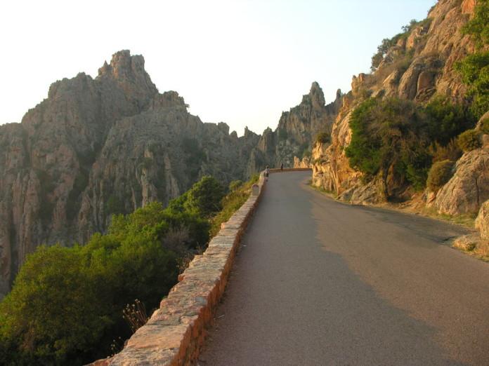 Korzika - cesta v horách