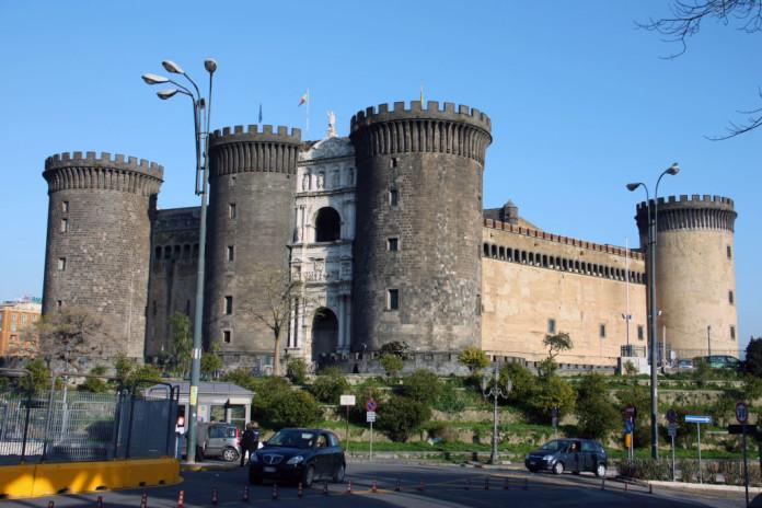 Neapol - hrad