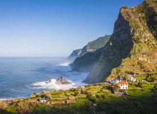 Madeira , Porugalsko , pobrežie