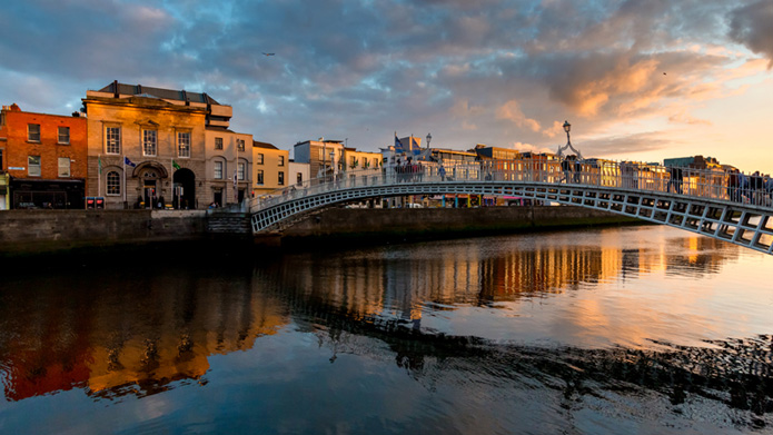 Dublin, most západ slnka