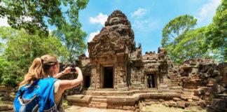 Kambodža žena fotiaca pamiatku