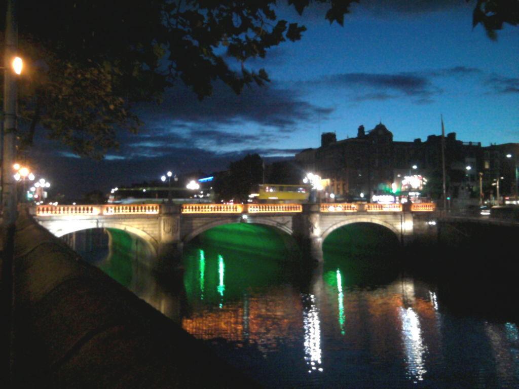 most nad riekou
