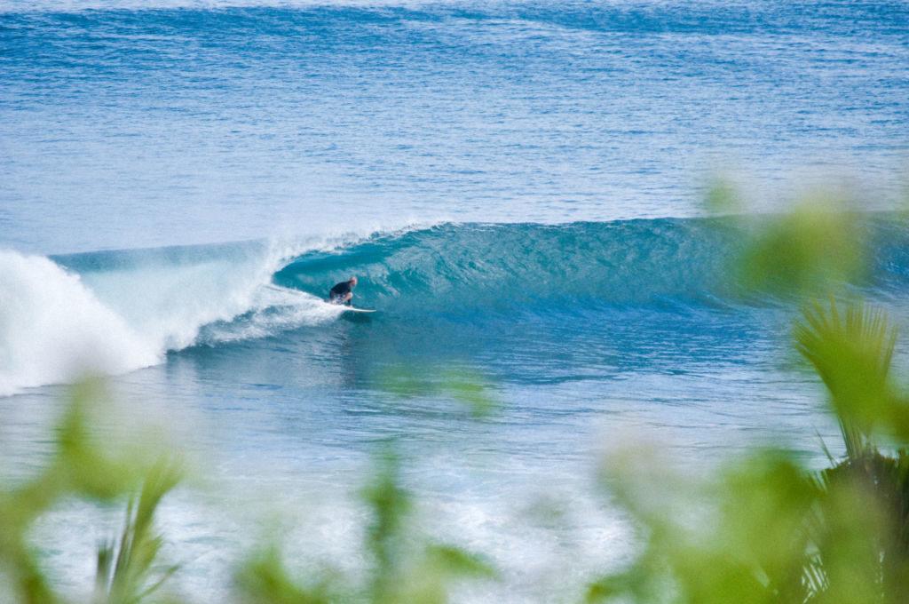 Surfovanie na pláži Balangan Bali