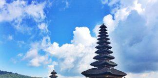 Jedz, modli sa a miluj na Bali