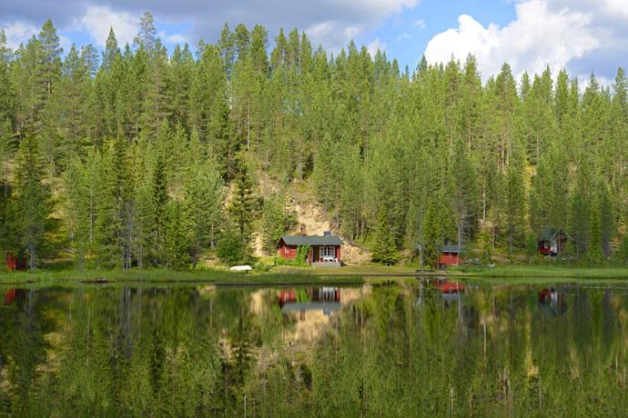 Fínsko, dom pri jazere