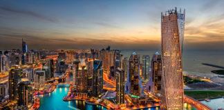 večerný Dubaj