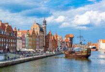 rieka v Gdansku s loďou