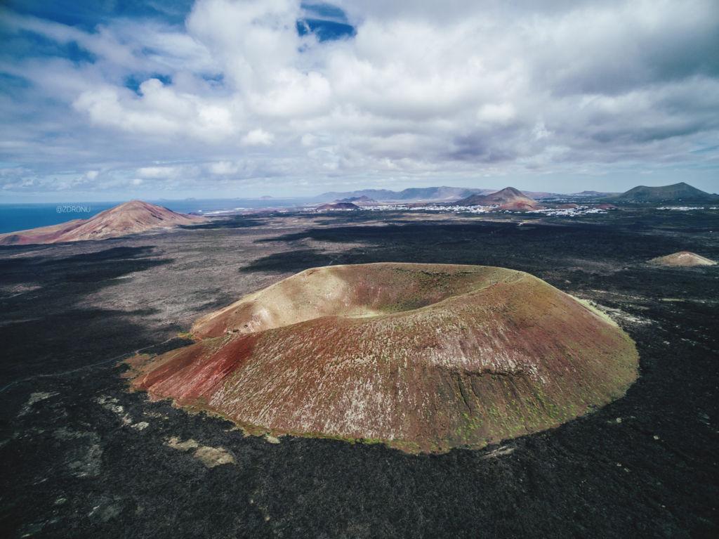 Národný park Timanfaya sopky a farebný piesok