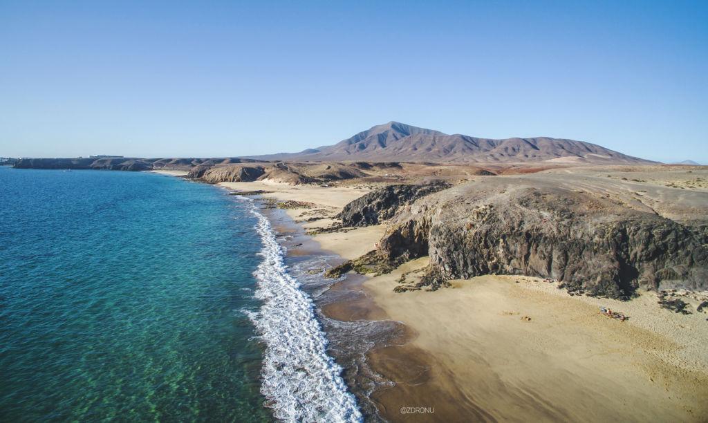 Pláž na lanzarote Playa De Papagayo
