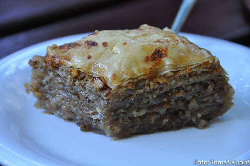 jedlo baklava v bosne