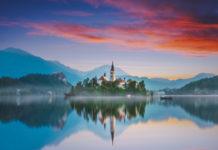 Hrad a jazero Bled Slovinsko