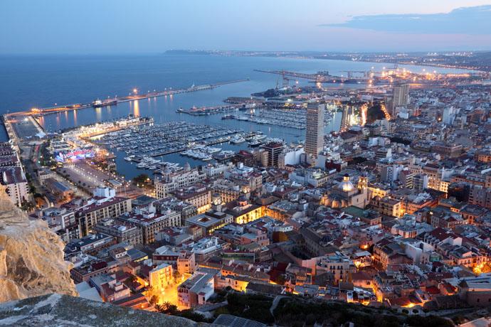 Pohľad na večerné Alicante