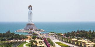 Socha Buddhu na ostrove Hainan