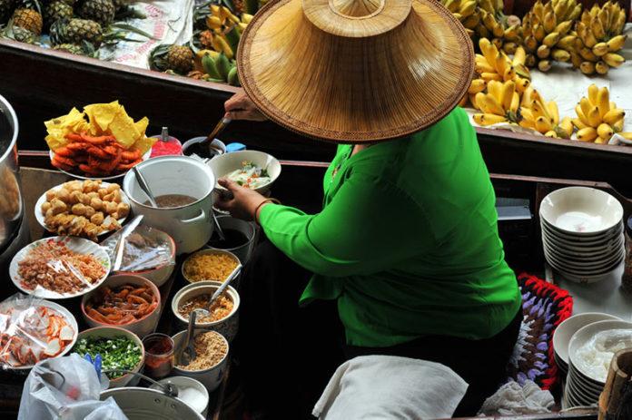 thajské jedlá v Thajsku