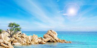 KRásna pláž na ostrove Sardínia v Taliansku