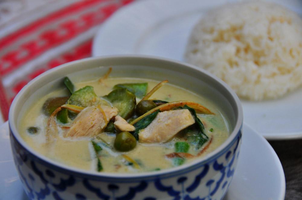 zelené kari jedlo thajsko