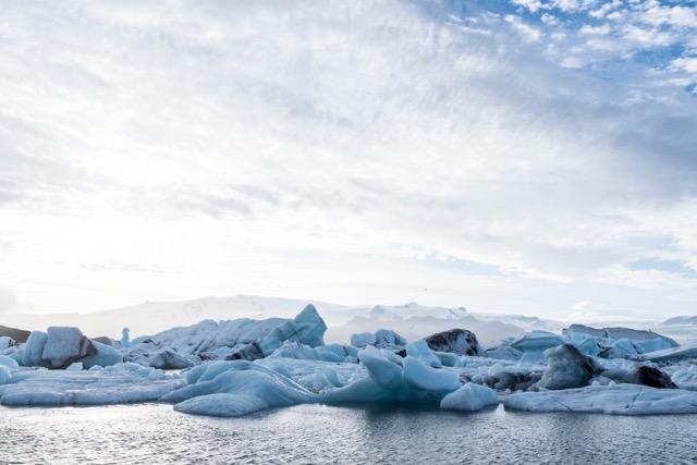Lagúna Jökulsárlón je jedna z najobľúbenejších zastávok pri cestovaní po Islande