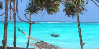 pláž na Zanzibare