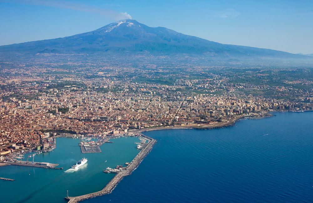 etna a catania na sicilii