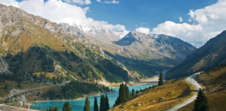 Jazero Almaty Kazachstan