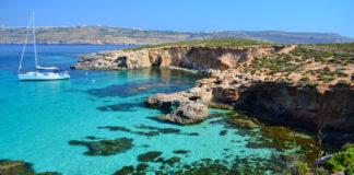 Pobrežie Malty v Comino