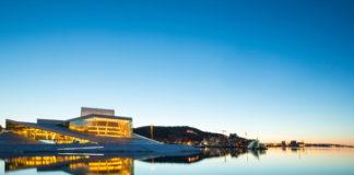 Oslo pri západe Slnka