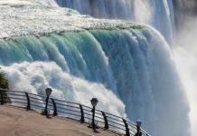 Niagarské Vodopády neďaleko mesta Toronto