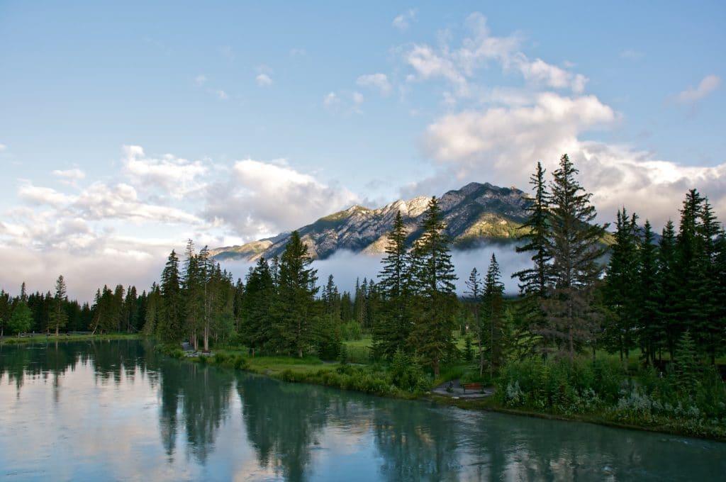 rieka a hory