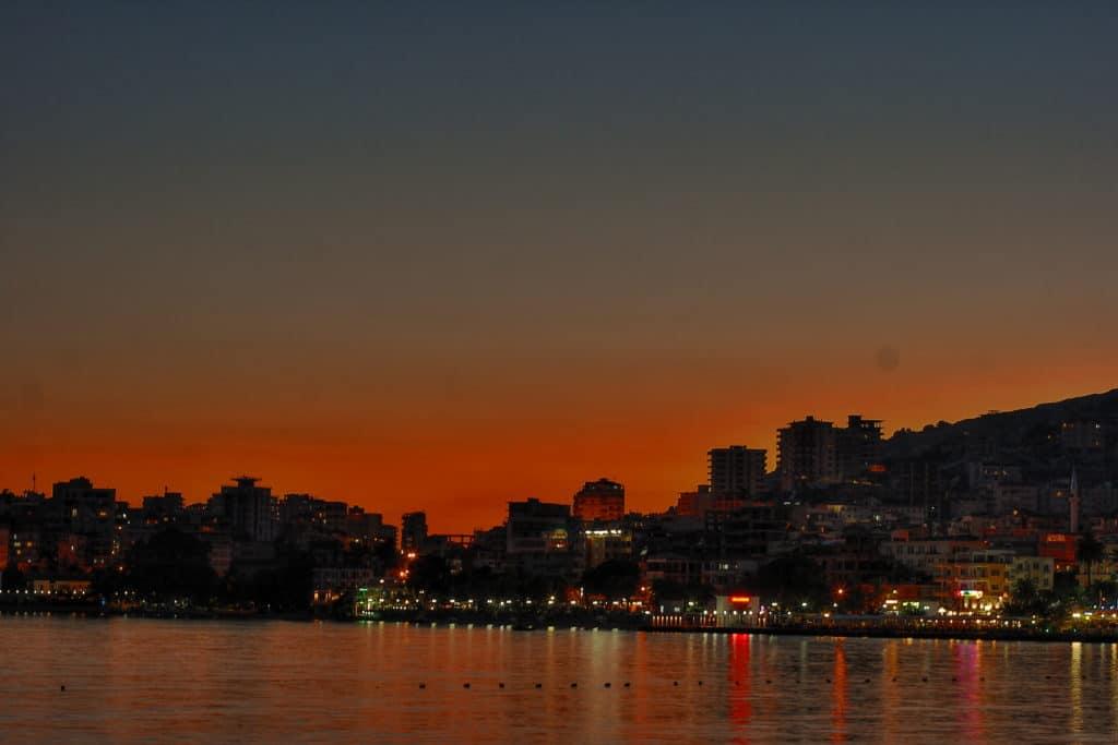 noc v prístave