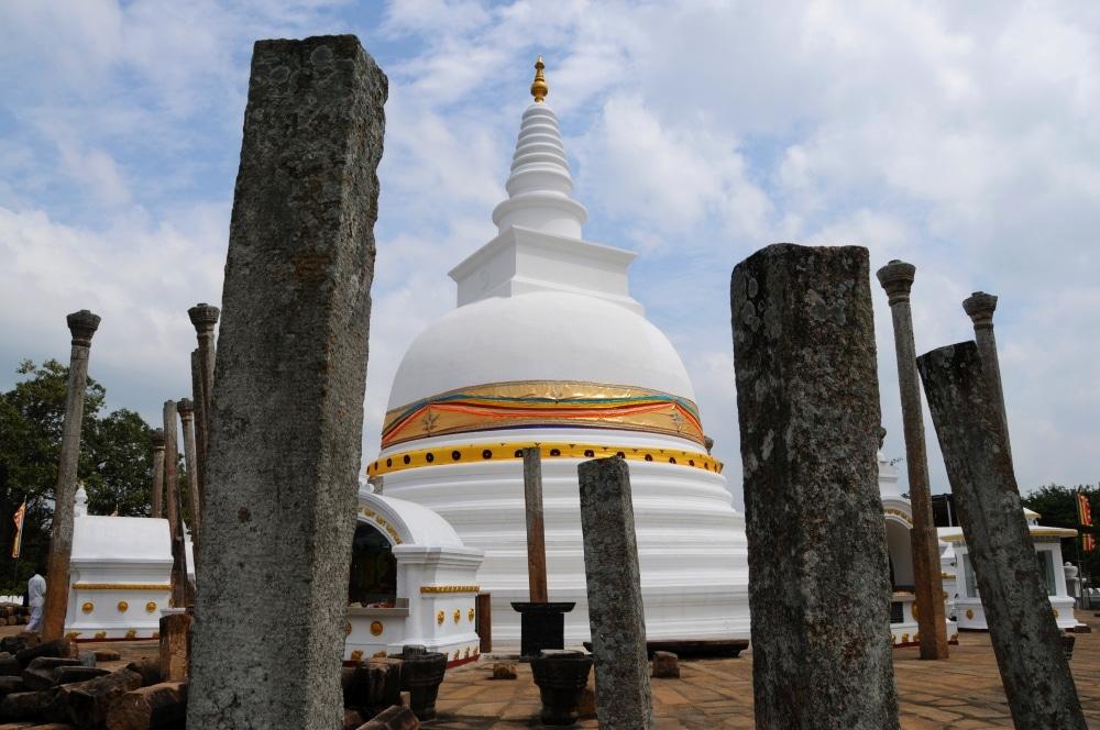 Kto chce zazit kusok historie, ten sa vyberie do Anuradhapury