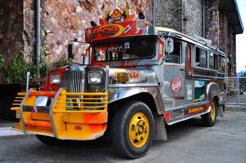 Tradicne filipinske jeepney
