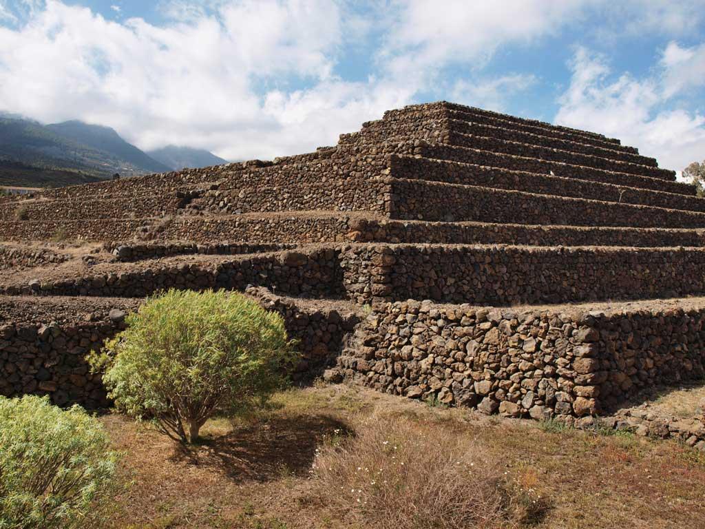 pyramidy Guimar