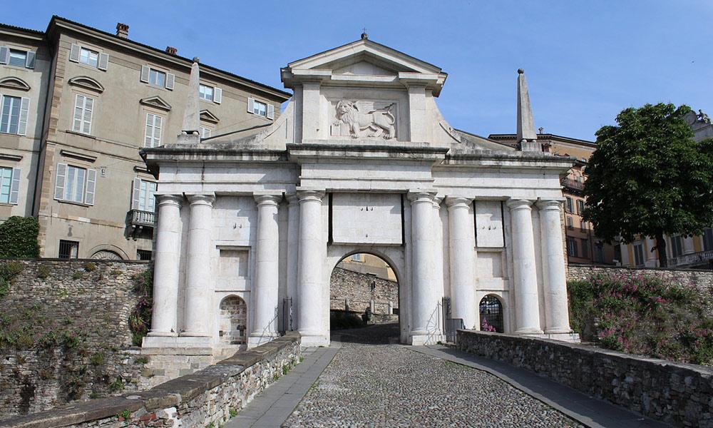Porta San Giacomo v Bergame