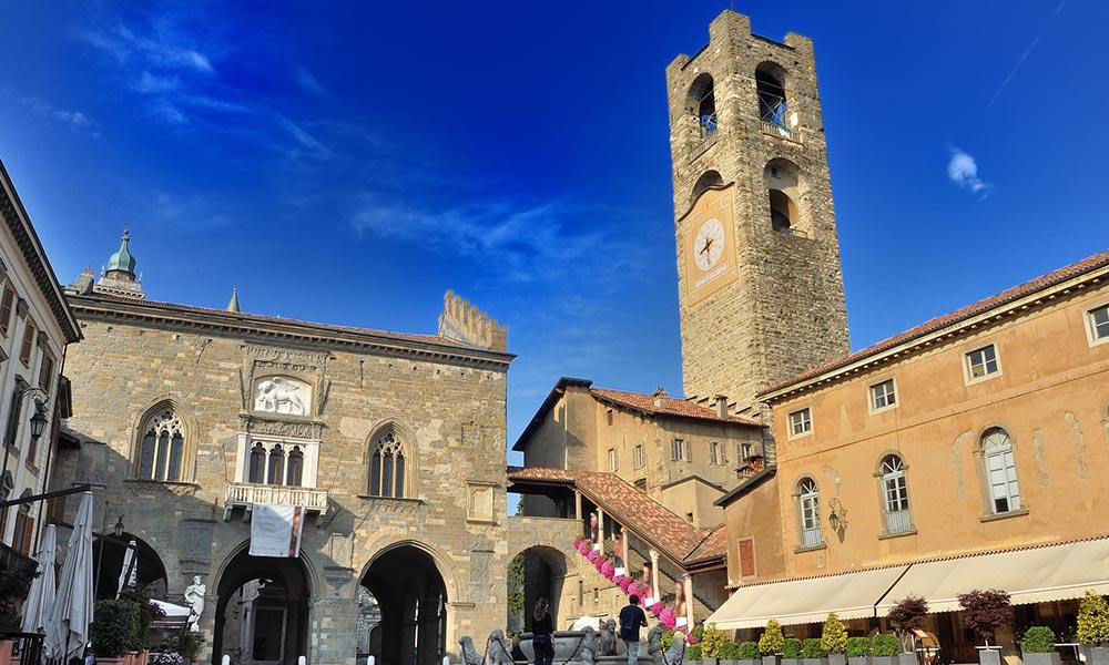 Palazzo della Ragione, námestie Piazza Vecchia, veža Campanone (Torre Civica)