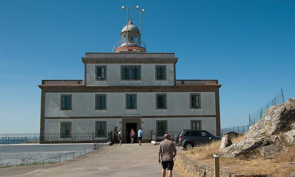 Maják na konci Camino Finisterre